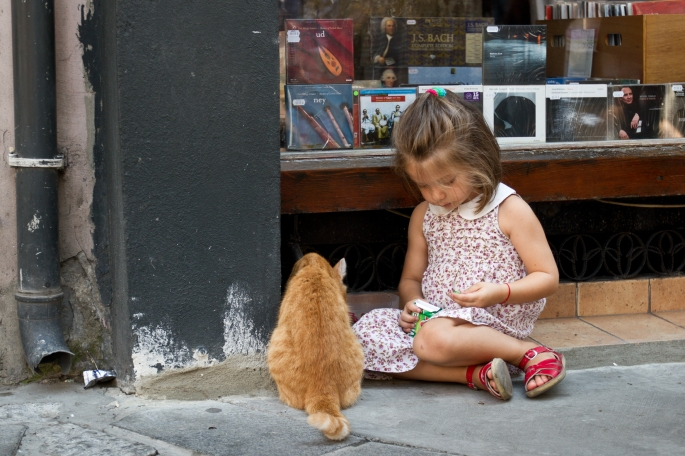 Girlandcat_istanbul